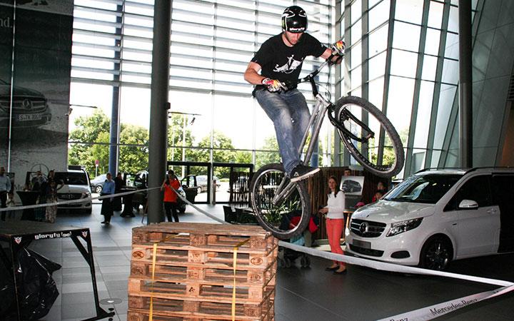 Freestyle-Artists_Trial-Bike_Mercedes_01