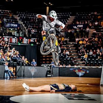 01_Halbzeit-Show_EWE-Baskets